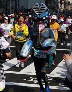 tokyo-marathon-costumes-12.jpg