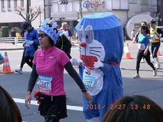 tokyo-marathon-costumes-3.jpg
